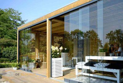 Urban Living Excellent 700 met glaswanden